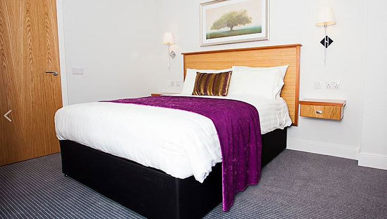 Bedroom in Royal Athenaeum Suites - Citybase Apartments
