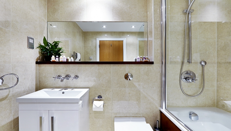 Bathroom at Cheval Harrington Court - Citybase Apartments