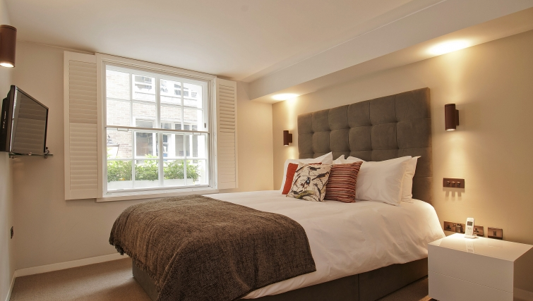Bedroom at Wigmore Suites - Citybase Apartments