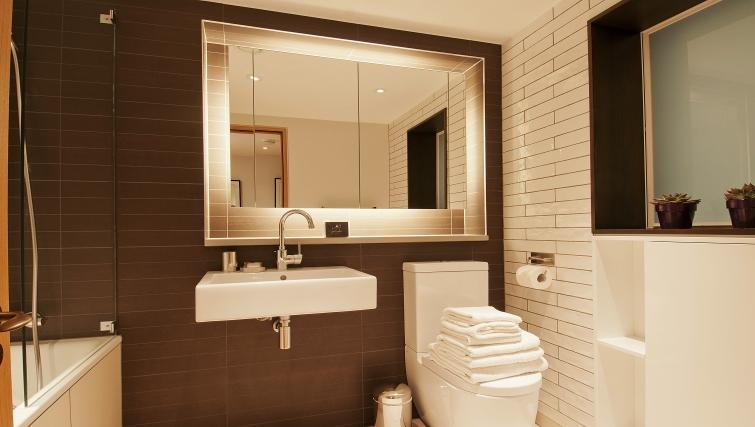 Bathroom in Wigmore Suites - Citybase Apartments
