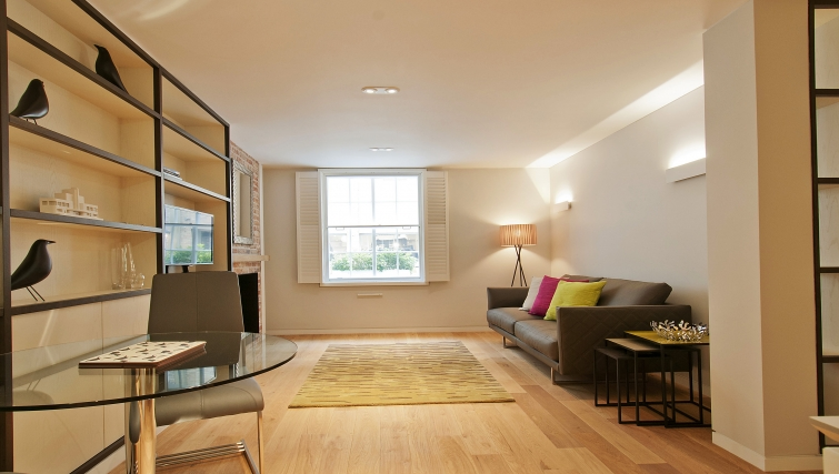 Living area in Wigmore Suites - Citybase Apartments