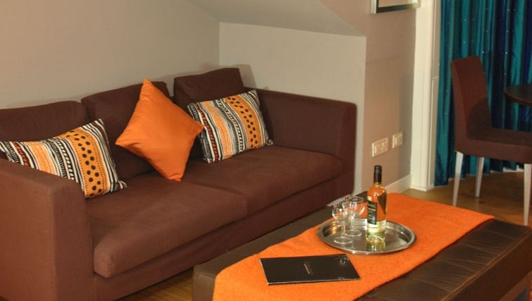 Comofortable living area at Lynedoch Glasgow Apartments - Citybase Apartments