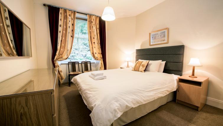 Master bedroom at Cullaloe Apartment - Citybase Apartments