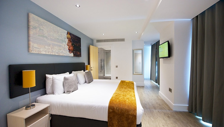 Large bedroom at Staycity London Deptford Bridge - Citybase Apartments