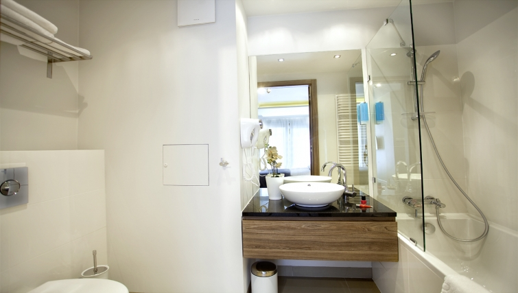 Bathroom at Oxygen Residence - Citybase Apartments