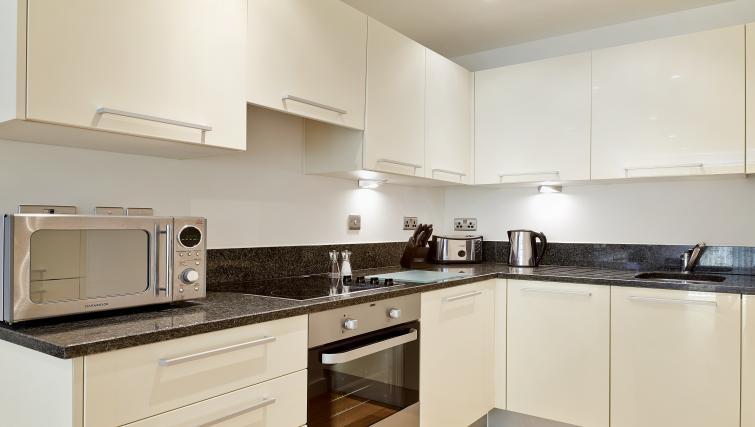 Stylish kitchen at Lexington Slough Apartments - Citybase Apartments
