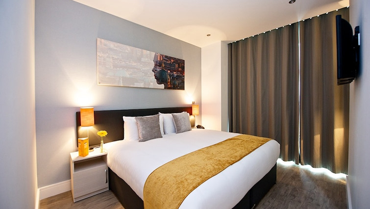 Cosy bedroom at Staycity London Greenwich High Road - Citybase Apartments