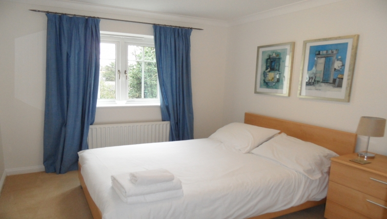 Spacious bedroom at Westlands House - Citybase Apartments