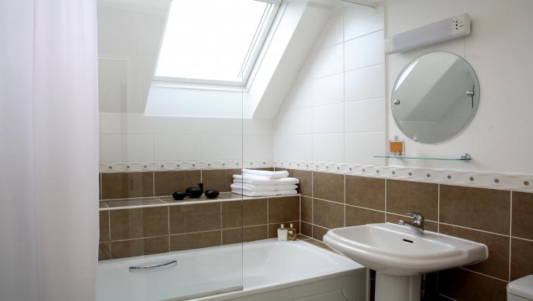 Pristine bathroom at Westlands House - Citybase Apartments
