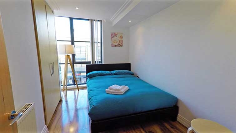 Double bedroom at Ferry Quays Apartments - Citybase Apartments