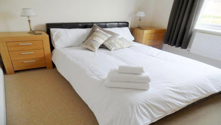Ideal bedroom at St Raphael House - Citybase Apartments