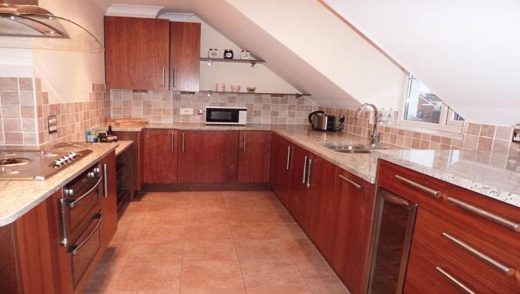 Amazing kitchen at St Raphael House - Citybase Apartments