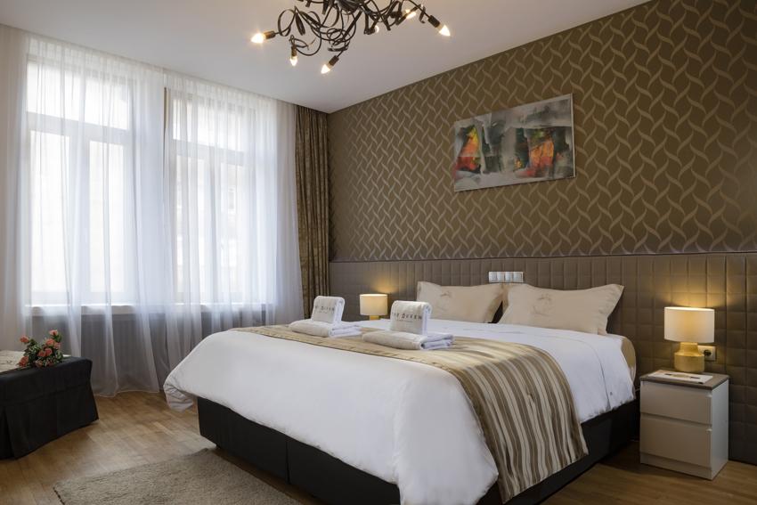 Double bed at Villa Liberty Apartments - Citybase Apartments