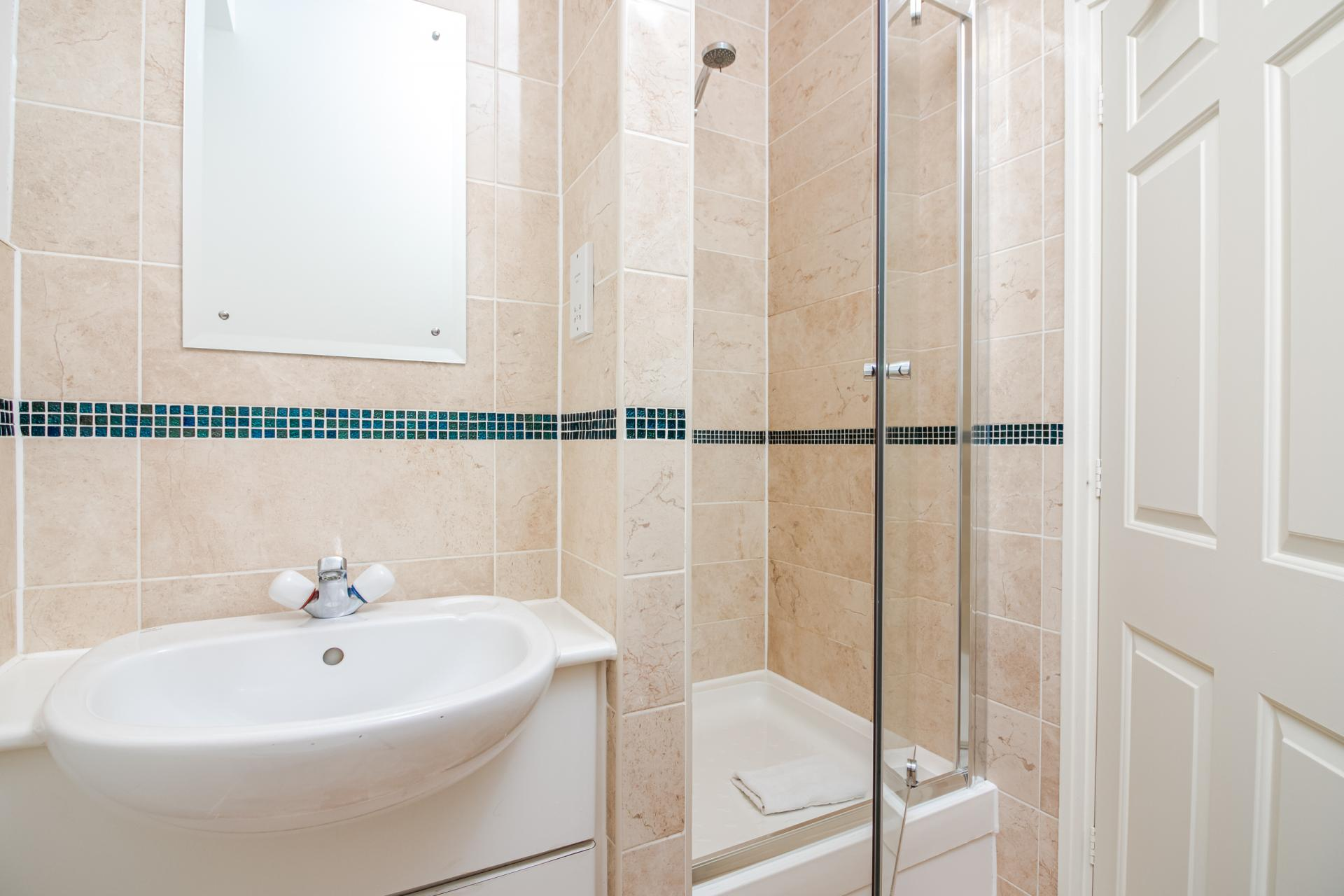Bathroom at Priory House Apartments, City, London - Citybase Apartments