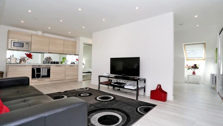 Kitchen at Summer Street Apartments - Citybase Apartments