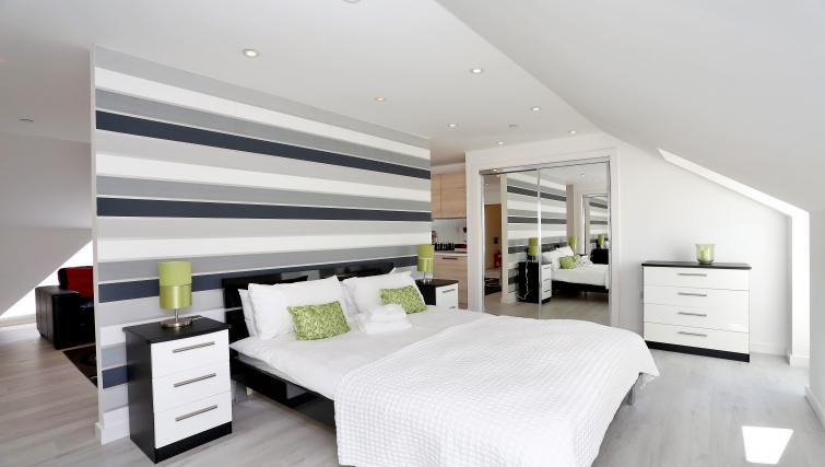 Bedroom at Summer Street Apartments - Citybase Apartments