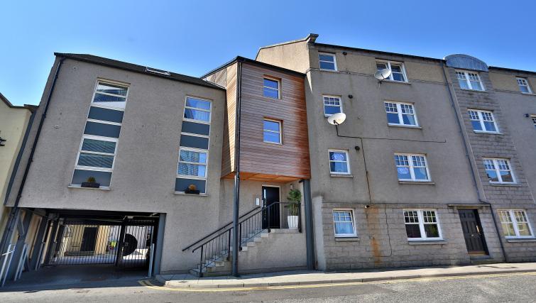 Exterior of Summer Street Apartments - Citybase Apartments