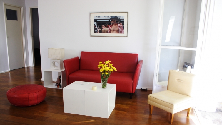 Living area at Soler Lofts Apartments - Citybase Apartments