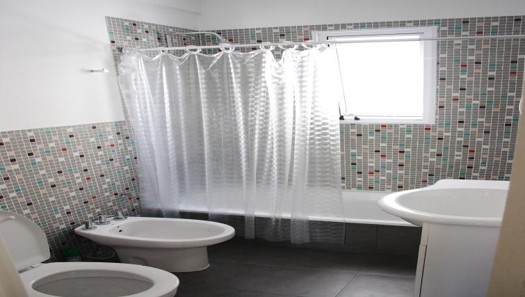 Bathroom at Soler Lofts Apartments - Citybase Apartments