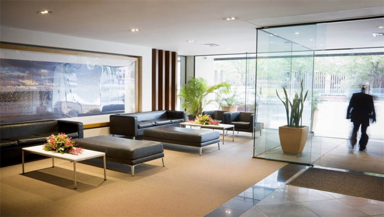 Lobby area at Mantra Southbank Melbourne - Citybase Apartments