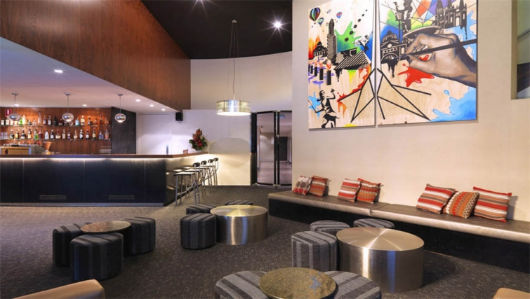Bar at Mantra Southbank Melbourne - Citybase Apartments