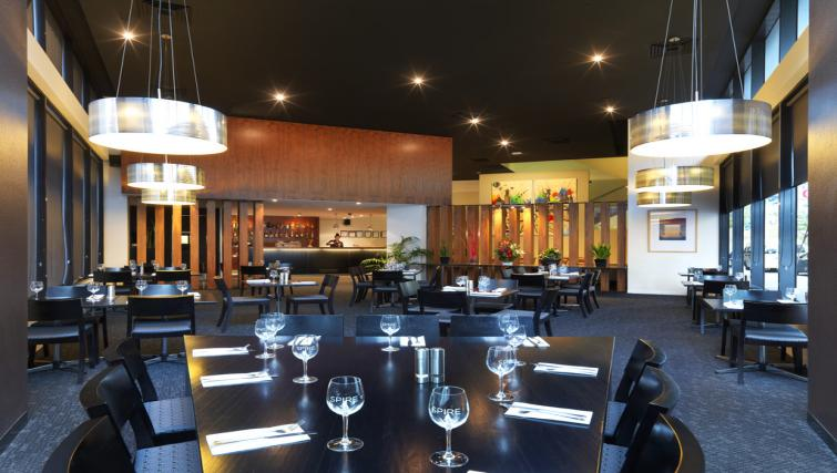 Restaurant at Mantra Southbank Melbourne - Citybase Apartments