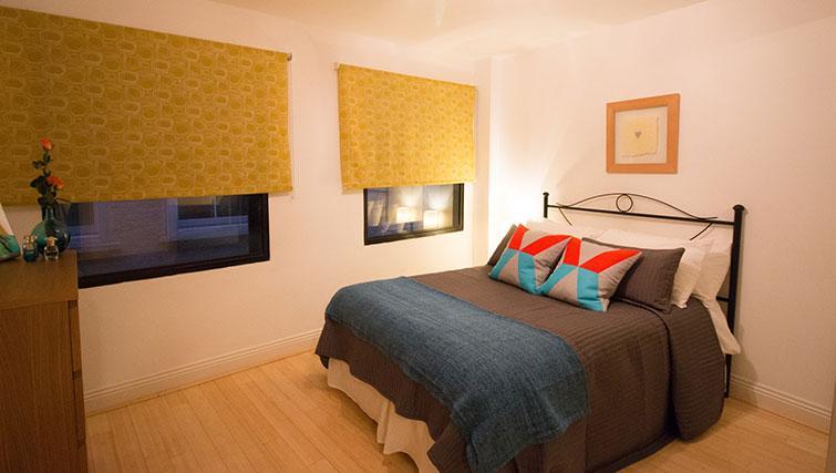 Bedroom at Monument ApartmentMonument Apartment - Citybase Apartments