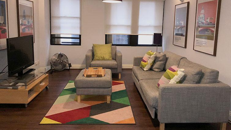 Lounge at Monument ApartmentMonument Apartment - Citybase Apartments