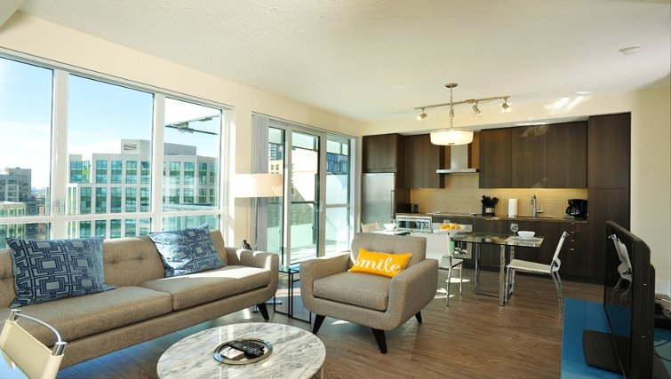 Spacious living area at 300 Front Apartments - Citybase Apartments