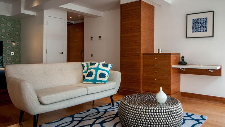Living space at Native Aldgate Apartments - Citybase Apartments