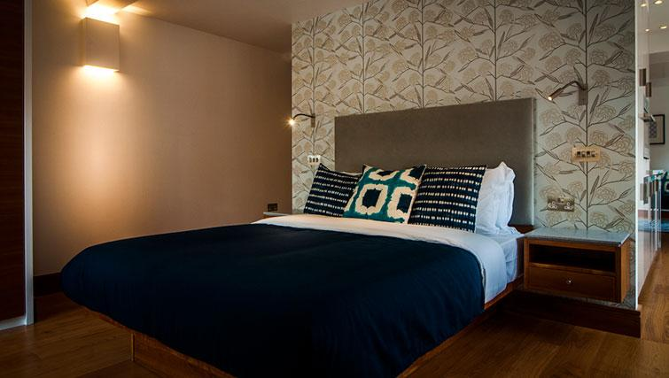 Bed at Native Aldgate Apartments - Citybase Apartments