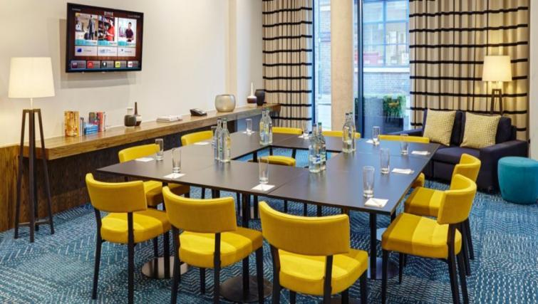 Meeting room at Staybridge Suites London Vauxhall - Citybase Apartments