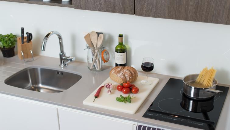 Kitchen facilities at Staybridge Suites London Vauxhall - Citybase Apartments