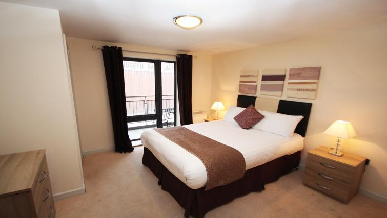 Cosy bedroom at Baltic Quays Apartments - Citybase Apartments