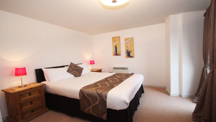 Bed at Baltic Quays Apartments - Citybase Apartments