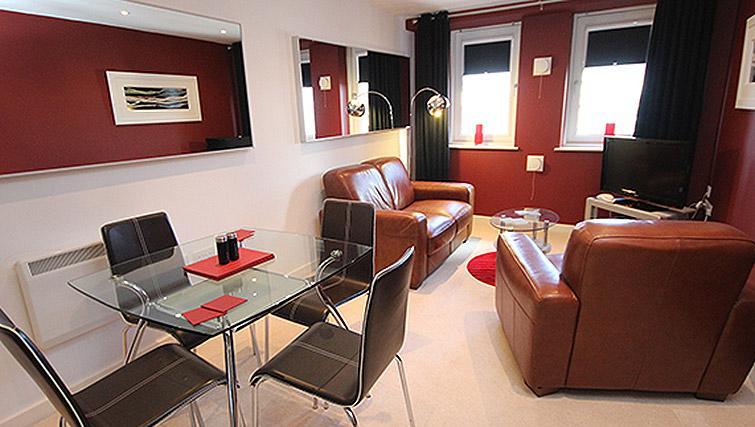 Living room at City Quadrant Apartments - Citybase Apartments