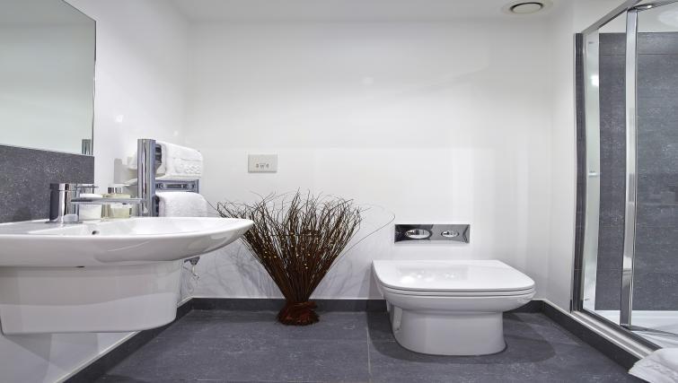 Modern bathroom at Old British School Apartments - Citybase Apartments