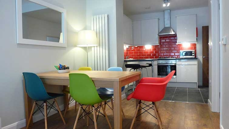 Dining area at Brook Green Apartments - Citybase Apartments