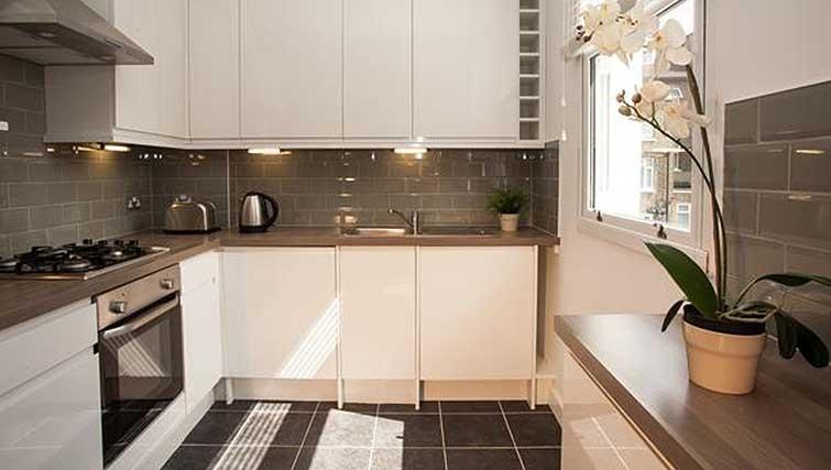 Modern kitchen at Brook Green Apartments - Citybase Apartments