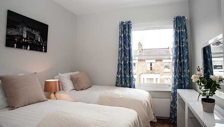 Twin bedroom at Brook Green Apartments - Citybase Apartments