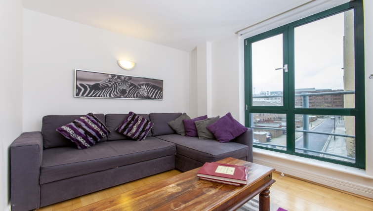 Comfortable living area at Folgate Street Apartment - Citybase Apartments