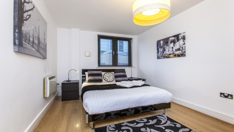 Bedroom at Folgate Street Apartment - Citybase Apartments