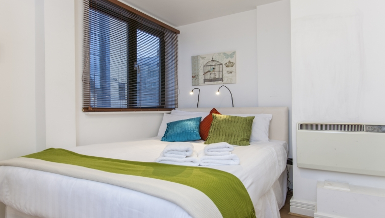 Bright bedroom at Folgate Street Apartment - Citybase Apartments