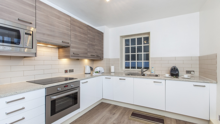 Fully equipped kitchen at Liverpool Street Apartments - Citybase Apartments