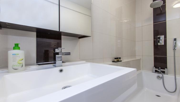 Bathroom at Liverpool Street Apartments - Citybase Apartments
