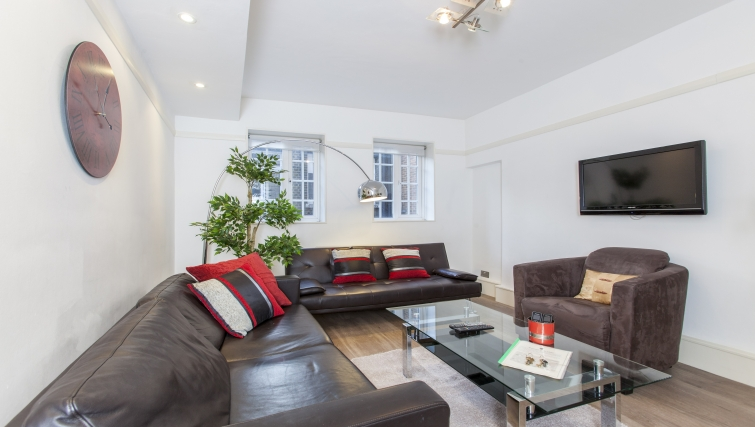 Modern living area at Liverpool Street Apartments - Citybase Apartments