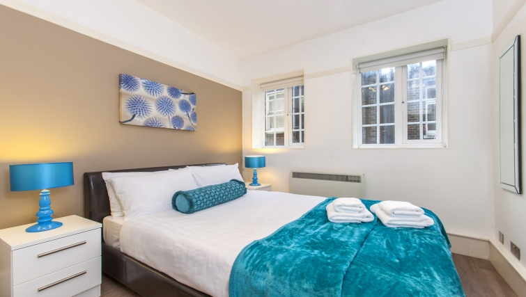 Spacious bedroom at Liverpool Street Apartments - Citybase Apartments