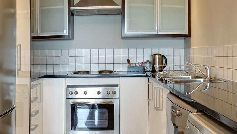 Kitchen at Manhattan Suites & Conferences - Citybase Apartments