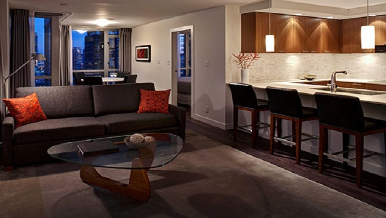 2 bedroom living area in Level Furnished Living - Citybase Apartments