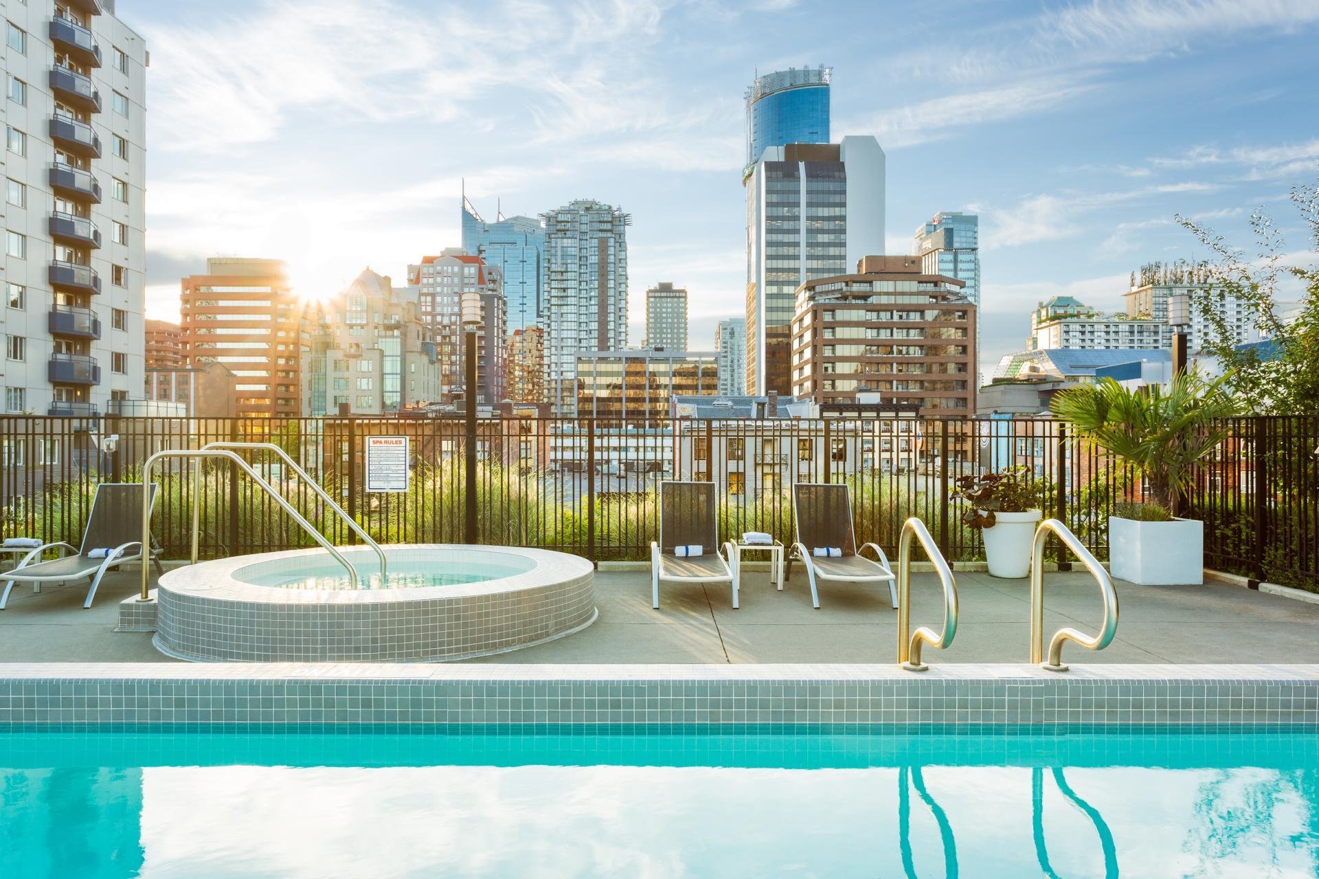 Jacuzzi at Level Furnished Living - Citybase Apartments